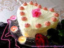 Tort serce pełne smaku