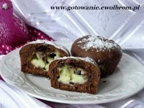 Kakaowe muffinki z budyniem kokosowym