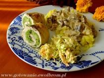 Dietetyczne roladki drobiowe z brokułem