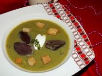 Groszkowa zupa krem z gęsimi żołądkami