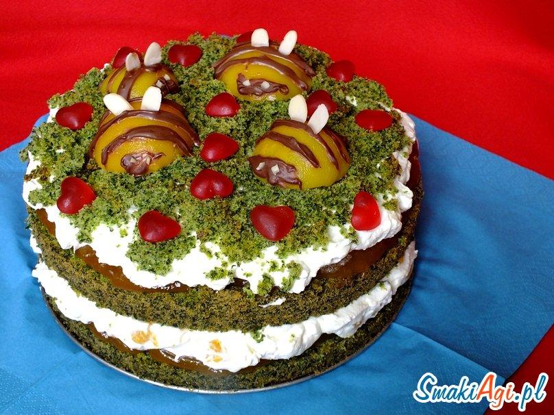 ciasto ze szpinakiem, bitą śmietaną z mascarpone i owocami