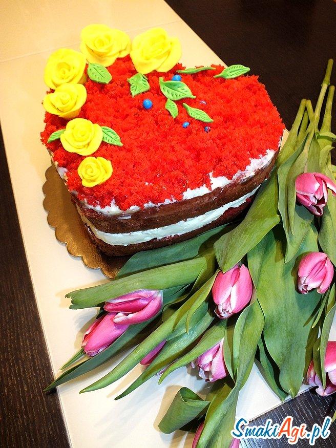 tort w kształcie serca, smak cytrynowy