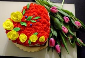Tort serce o smaku cytrynowym